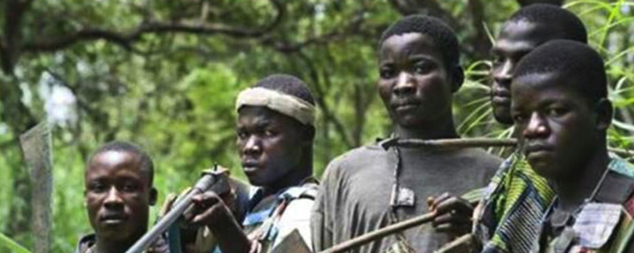 Membros do grupo antibalaka