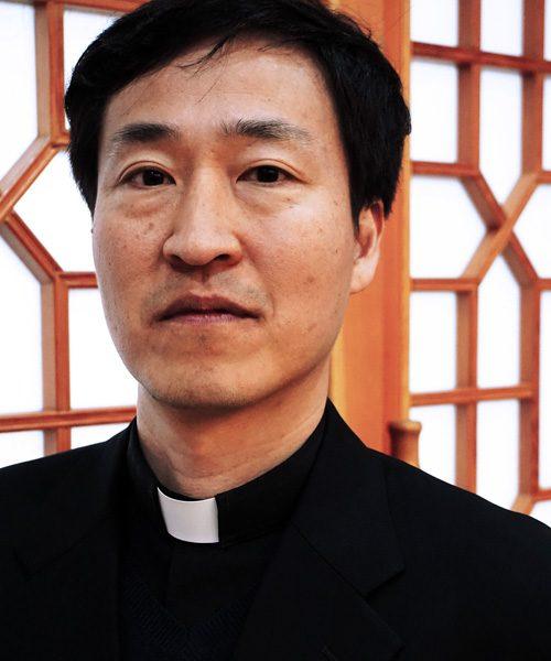 Padre Kang Ju-Seok